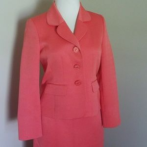 Le Suit Coral Textured skirt suit